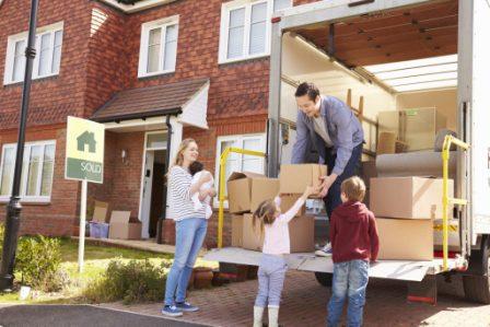 Семья переезжает в Литву